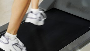 Una caminata rápida trabaja más a tus pantorrillas que correr.