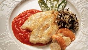 El pescado es una fuente primaria de este mineral.