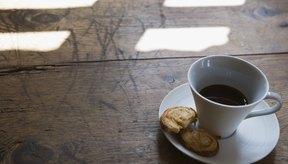La cafeína es la droga más comúnmente añadida a los alimentos y bebidas.