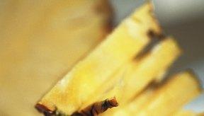 Como bocadillo para después del ejercicio, la piña es ideal. La enzima bromelina presente en esta fruta ayuda a aliviar los dolores musculares.