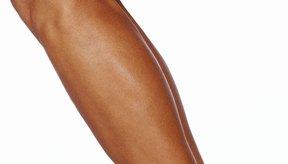 La atrofia muscular en las piernas es más pronunciada en los cuádriceps.