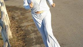 Una de las causas del hematoma subungueal es caminar con calzados que no te quedan bien.