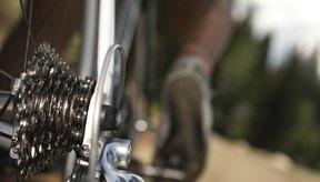 Practica a enganchar y desenganchar tus pedales en casa antes de salir a la carretera.