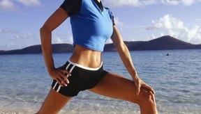 La AAOS recomienda ejercicios de estiramiento diarios y programas de fortalecimiento de rutina con el fin de ayudar a mantener los músculos flexibles y fuertes.