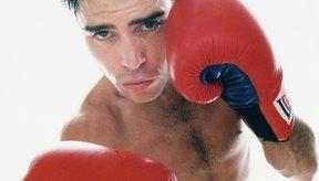 Debes utilizar golpes rectos y circulares durante una pelea de box.