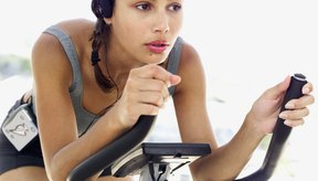 Una bicicleta fijaa concentrará el ejercicio en tus piernas.