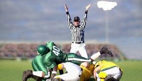 Los deportes de alto impacto como el fútbol pueden causar bursitis trocantérea.