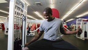 La inflamación muscular puede ser consecuencia de un trauma al hacer demasiado ejercicio.