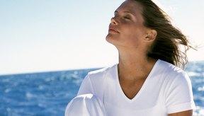 La luz solar puede ayudar a aliviar la depresión promoviendo tus niveles de vitamina D.