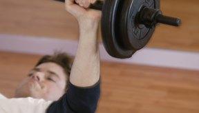 Realiza ejercicios de fuerza como pesas.