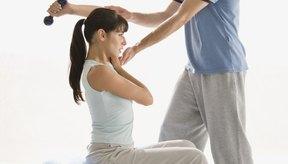 Los ejercicios regulares de fuerza pueden aumentar la masa y densidad ósea.