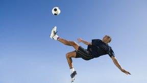 Aunque no es un deporte de contacto, los jugadores de fútbol a menudo sufren lesiones en el pie.