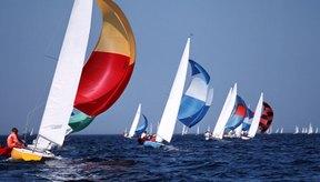 La carrera de veleros ofrece un escenario deportivo para aprender los entresijos de la navegación.