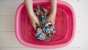 Pon tu vestimenta de ejercicio en remojo para quitar el olor a sudor.