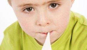 Es posible experimentar una fiebre leve con la dentición.