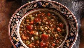 La sopa de lentejas es una comida nutritiva y baja en calorías.