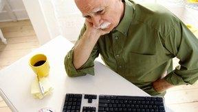 La enfermedad de alzheimer causa problemas más graves que la pérdida de memoria.
