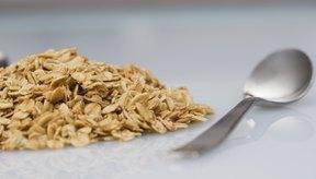 La avena instantánea tiene 30% menos proteína que la avena integral.