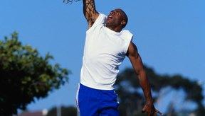 Los saltos verticales fortalecen los músculos de las piernas usados por los jugadores de baloncesto para alcanzar la canasta.