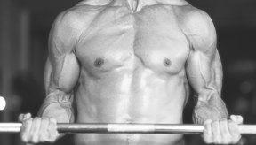Para ganar masa muscular hay que hacer más cosas que sólo ir al gimnasio.