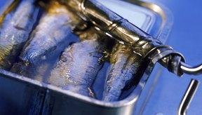 Las sardinas enlatadas son buenas fuentes de ácidos grasos omega-3.