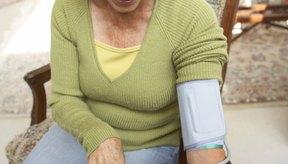 Controla tu presión arterial y sigue las instrucciones del médico para estabilizar tu uremia.