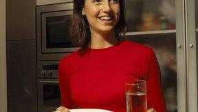 Una dieta saludable puede disminuir la hinchazón durante las primeras semanas de embarazo.