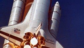 Los cohetes usan propulsión de alta presión para romper los ríspidos lazos de la tierra.