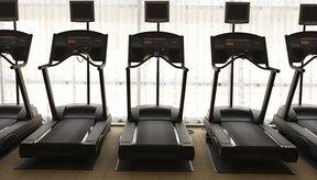 Con programas para aumentar la intensidad, la banda caminadora puede ayudarte a quemar más calorías que otros ejercicios.