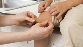 Hay varios factores que pueden causar que las rodillas tengan porciones rugosas.