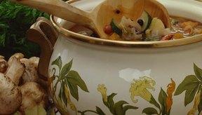 La sopa de vegetales clara es sencilla de preparar y repleta de nutrientes.