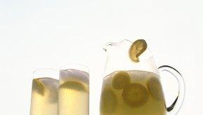 El jugo de limón puede ayudar a prevenir la reaparición de piedras en los riñones.