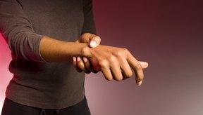 El dolor articular leve puede ser un síntoma precoz de la artritis reumatoide.