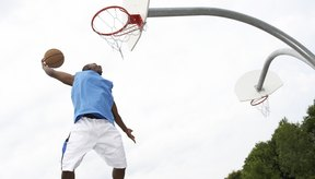 El baloncesto puede ser un entrenamiento divertido para hacer sentadillas