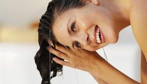 Lavarte el pelo una vez al día es suficiente para evitar el exceso de aceite.