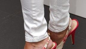 Los zapatos con talonera que te quedan grandes son incómodos y dificultan tu caminata.
