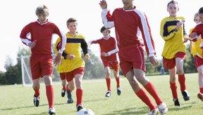 Cómo jugar de lateral en el fútbol.