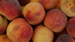 Los duraznos contienen vitamina C.