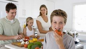 Busca alimentos saludables que tu hijo pueda disfrutar.