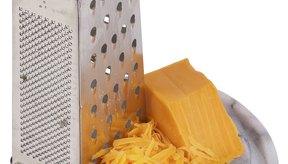 Opta por quesos bajos en sodio y de grasa reducida.