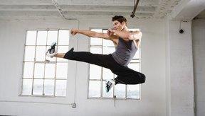 Los estudiantes de kung fu usan cinturones diferentes para mostrar sus niveles relativos.