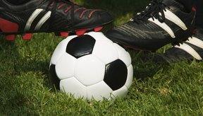 Retener la posesión del balón es una parte importante de ser un lateral izquierdo.