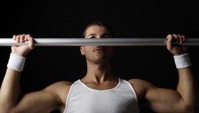 Las palancas frontales puede hacerse con una barra de dominadas.