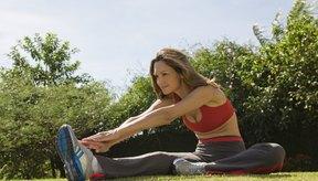 Haz ejercicios en los que levantes las piernas.