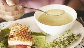 La Vichyssoise es un ejemplo típico de sopa cremosa de vegetales.