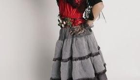 Un traje de bailarina es femenino y no demasiado llamativo.