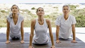 Las asanas o posturas de yoga, trabajan para estirar y fortalecer el cuerpo.