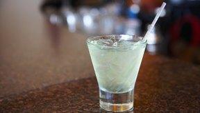 Un estudio del año 2010 encontró que el consumo regular de alcohol puede reducir la severidad de la artritis.