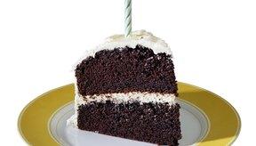 La torta hecha con mantequilla tiene más calorías que la hecha con aceite vegetal.