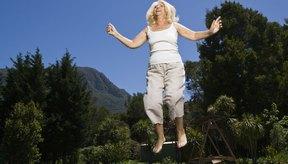Saltar regularmente sobre una cama elástica puede ayudarte a perder peso.